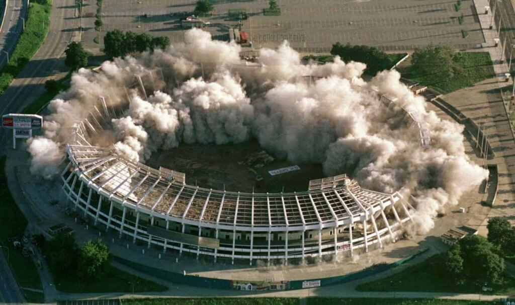 La demolición del estadio de Atlanta 1996.