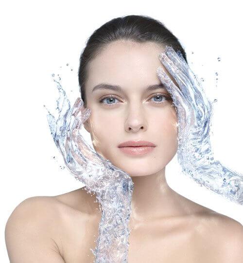 Agua es beneficiosa para la salud de la piel