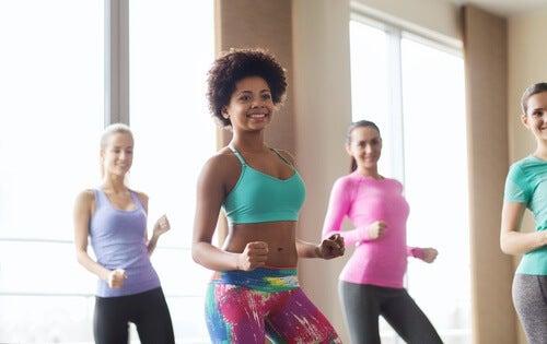 El baile en grupo te puede hacer sentir bien
