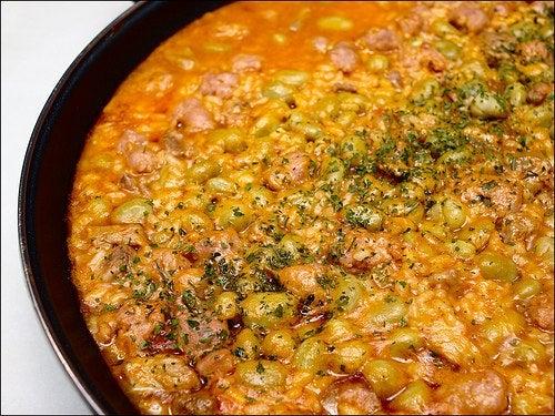 Arroz caldoso con pollo y legumbres