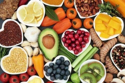 Alimentos saludables y coloridos