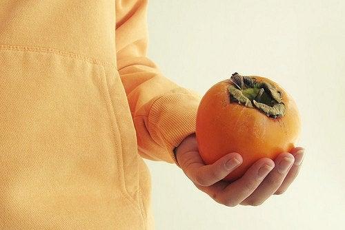 El caqui es una fruta con muchas propiedades antioxidantes