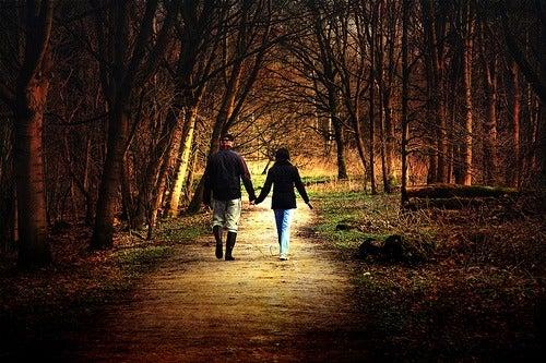 Marcher pour le bonheur.