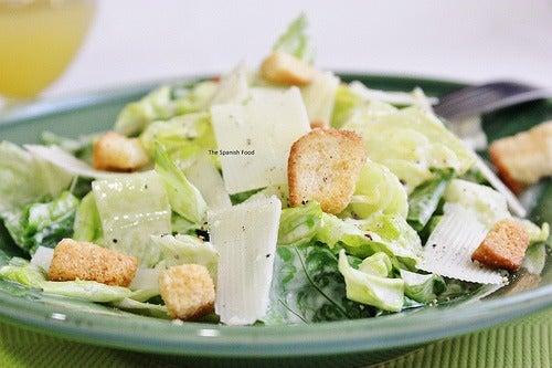 ¿Has probado ya la ensalada césar? Descubre la receta