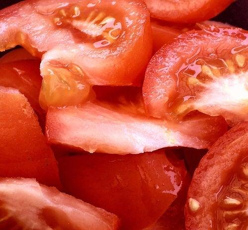 ¿Cómo nos podemos beneficiar consumiendo tomates?