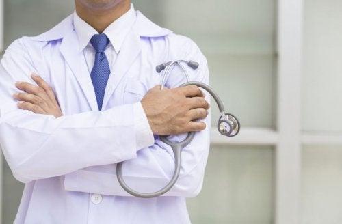 Consultar al medico es esencial para prevenir la aparición de tumores.