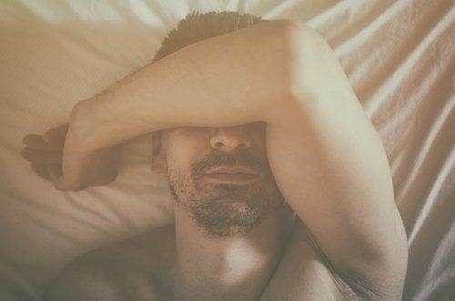 Hombre con sueño