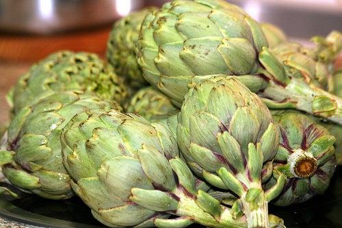 Alimentos y plantas que ayudan a limpiar el hígado