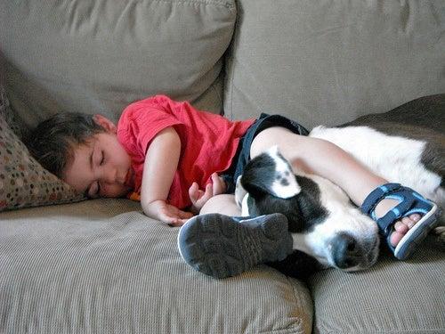 ¿Cómo puedo ayudar a mi hijo a descansar mejor?