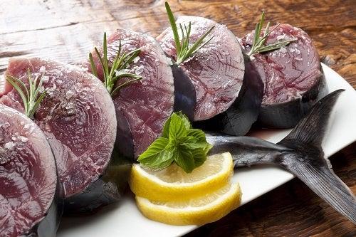 Comer pescado azul es saludable.