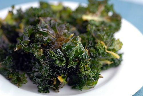 Las ventajas nutricionales de la col verde, un súper vegetal