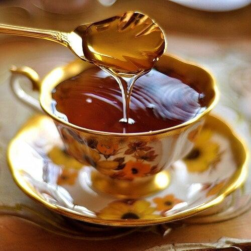 Miel y vinagre de manzana para acabar con el insomnio de forma natural