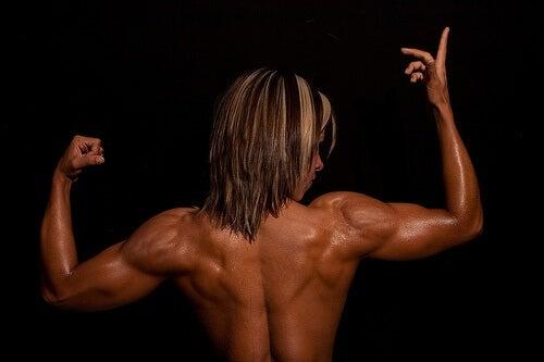 Los músculos superficiales de la espalda no sólo cumplen función estética