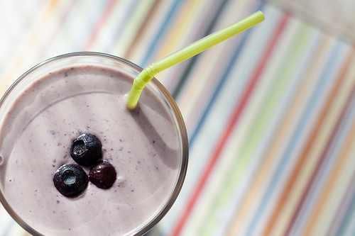 5 deliciosos y nutritivos batidos que te ayudarán a bajar de peso