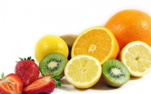Las frutas son saludables para eliminar toxinas.