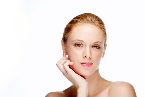 La gimnasia facial: ejercicios para evitar flacidez en la cara