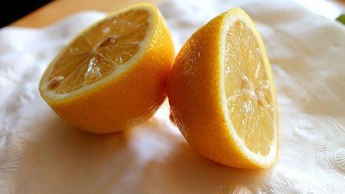 Limón para las uñas frágiles