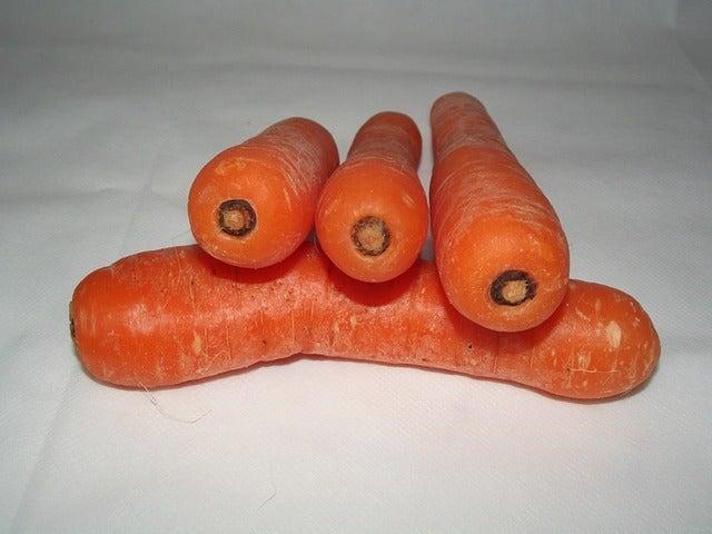 ¿Qué beneficios proporcionan las zanahorias?