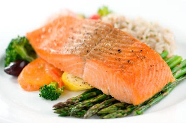 Los beneficios del salmón - Mejor Con Salud