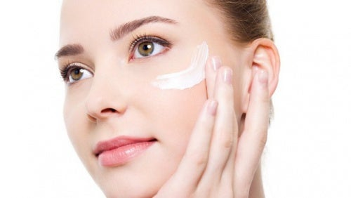crema hidratante para el contorno de los ojos