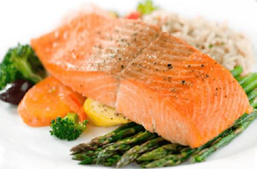 Filete de salmón con vegetales