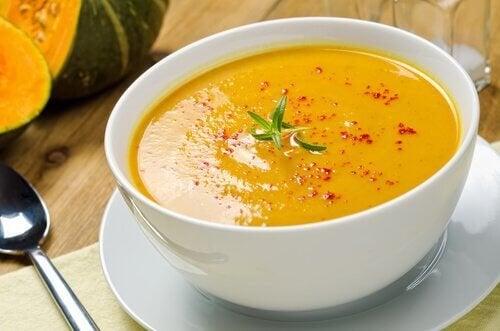 Las sopas son muy comunes en dietas de vegetarianos.