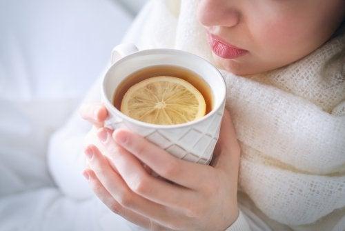 Té negro con limón