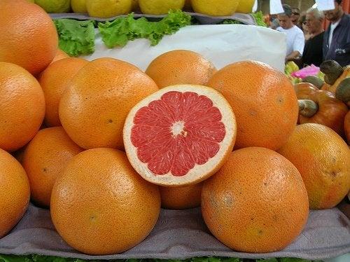 El pomelo (o toronja), un alimento que no debería faltar en nuestra dieta