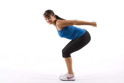 Qué ejercicios tratan la flacidez después de la pérdida de peso