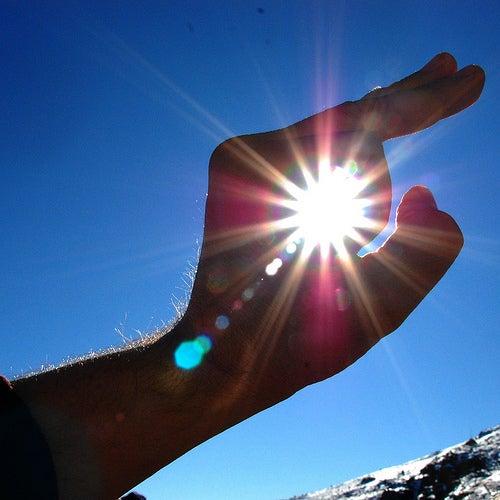 Rayo de sol, una de las cosas que nos hace envejecer