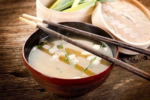 Beneficios de la sopa de miso