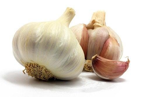 Cómo utilizar el ajo como remedio para diversas dolencias