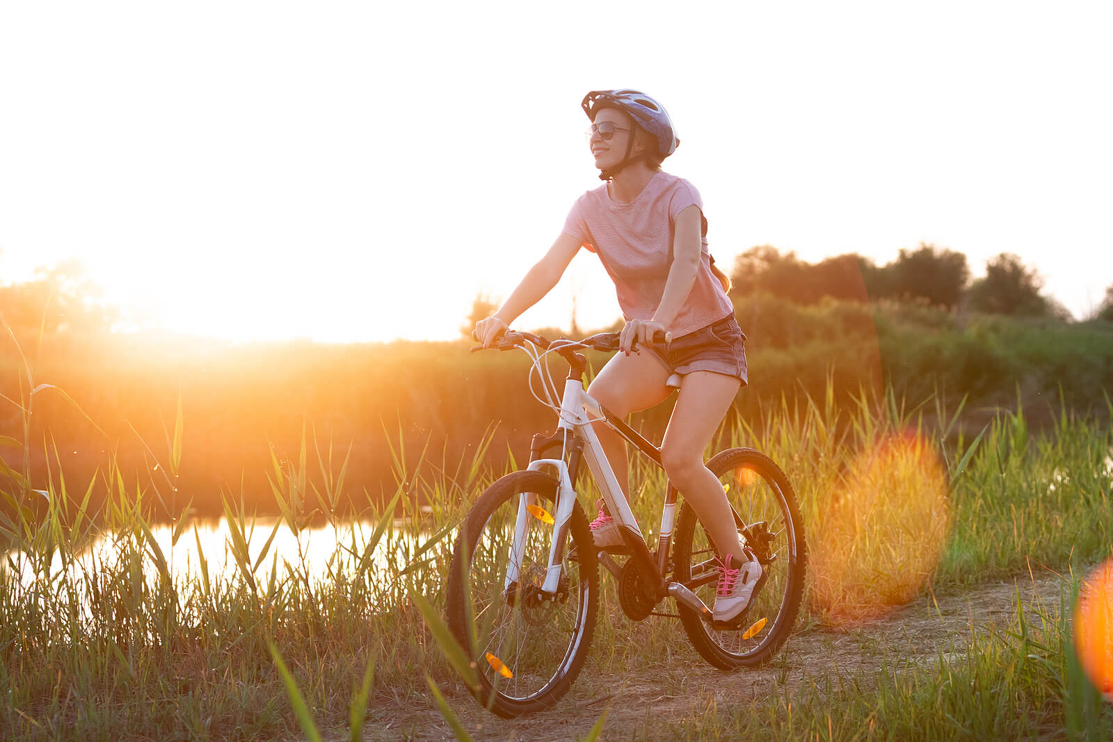 Andar en bicicleta genera endorfinas.