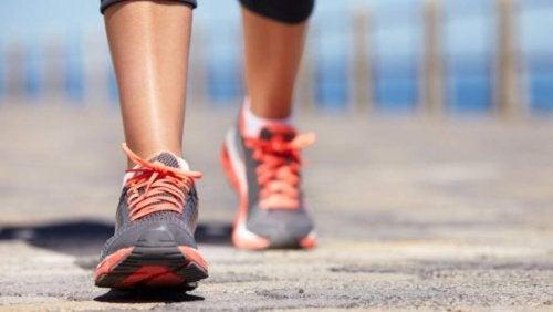 Caminar fortalece el corazón
