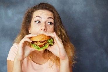 Alimentos y mal humor: ¿existe alguna conexión entre ellos?