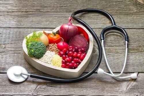 Corazón con comida sana