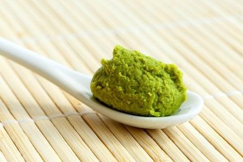wasabi en una cuchara