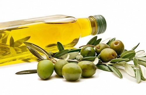 Las vitamina E siempre ayuda a prevenir la formación de las cicatrices y aporta a la disminución de las ya existentes.