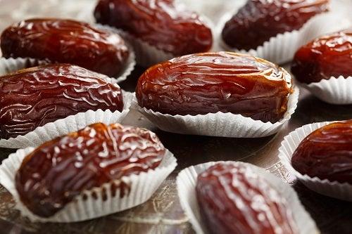 Medjoul or Medjool dates - datteri Medjoul