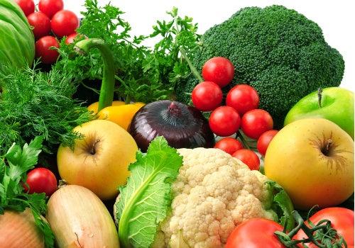 Además de mejorar el estado de ánimo, consumir diariamente frutas y verduras ayudará a que tu organismo mejore notablemente.
