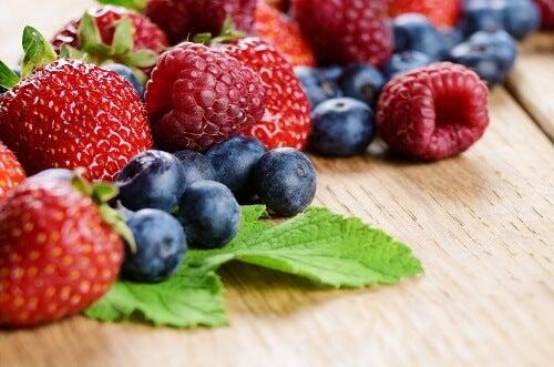 Beneficios de los frutos rojos y azules