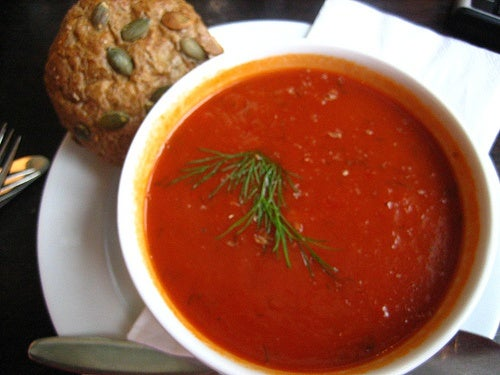 La salsa de tomate italiana nos sirve como base para otros platos.