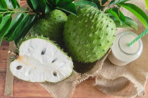 Uso de la fruta de la graviola o guanábana