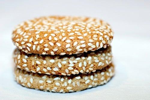 semillas de sésamo en galletas