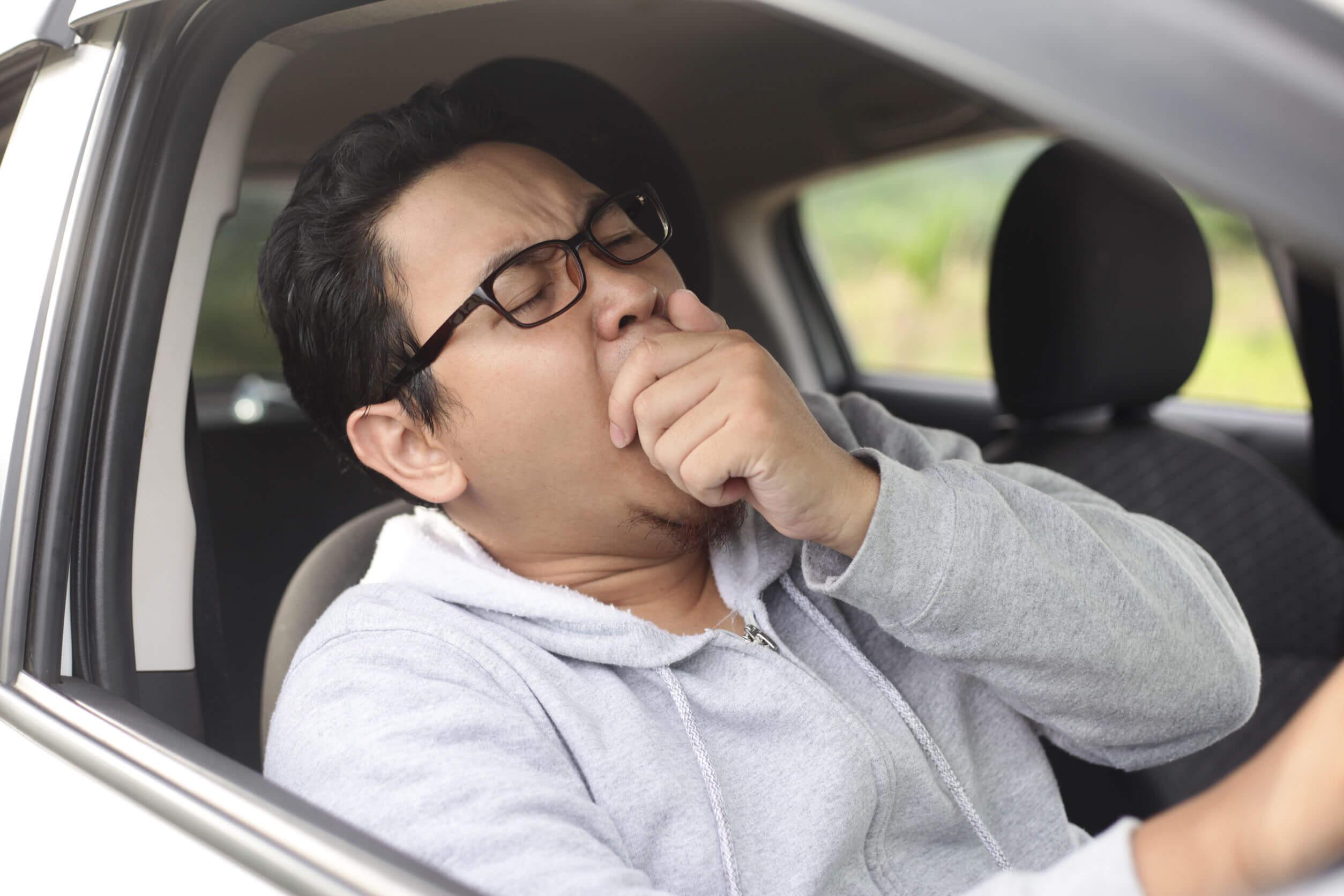 La migraña puede empeorar con ciertos hábitos de sueño.