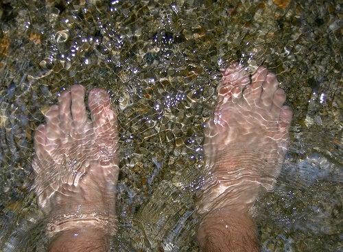 Pies en agua