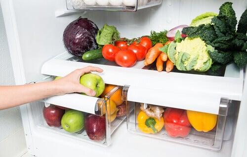 Refrigeradoras con alimentos sanos