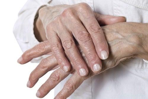 Remedios naturales para las grietas en las manos