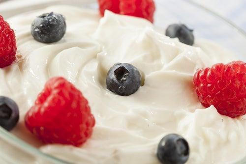 Yogurt y frutas