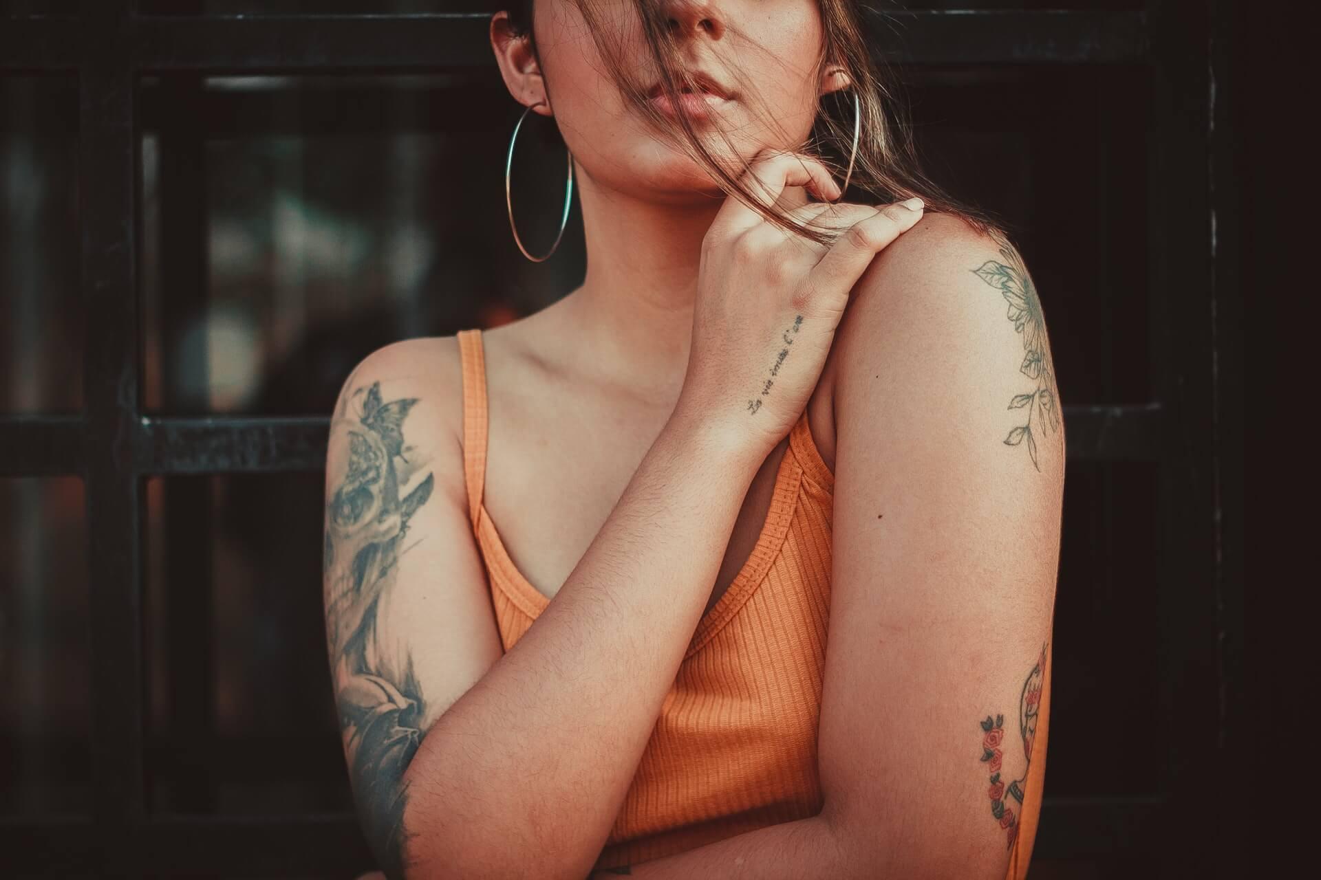 ¿Por qué puede resultar peligroso tatuarse?